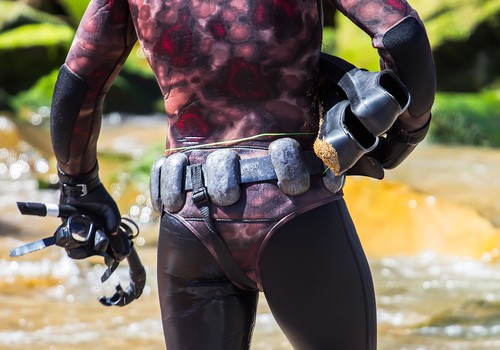 How much weight to use for spearfishing