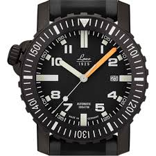 dive watch features